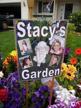 [05-03-2008 Photos found on www.findstacypterson.com of Stacy's Garden]