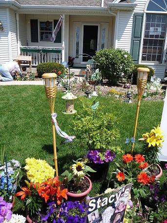 [05-06-2008 Photos found on www.findstacypterson.com of Stacy's Garden]