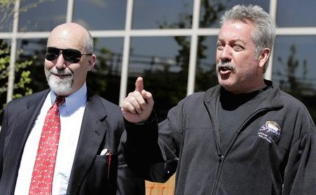 [Drew Peterson (right) leaves the Will County Adult Detention Facility in Joliet with his attorney, Joel Brodsky, after posting bail Wednesday. Peterson is charged with a weapons violation not directly connected to his wife Stacy's disappearance. (Tribune photo by John Smierciak / May 21, 2008)]