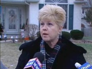 [Sharon Bychowski on Pheasant Court - Screen capture from http://www.myfoxchicago.com/]